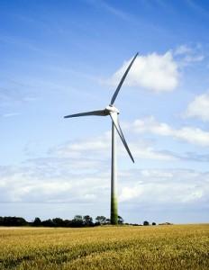 windmolen op akkerland